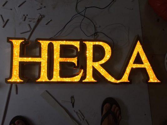 Chữ Inox mặt Acrylic giả đá màu vàng