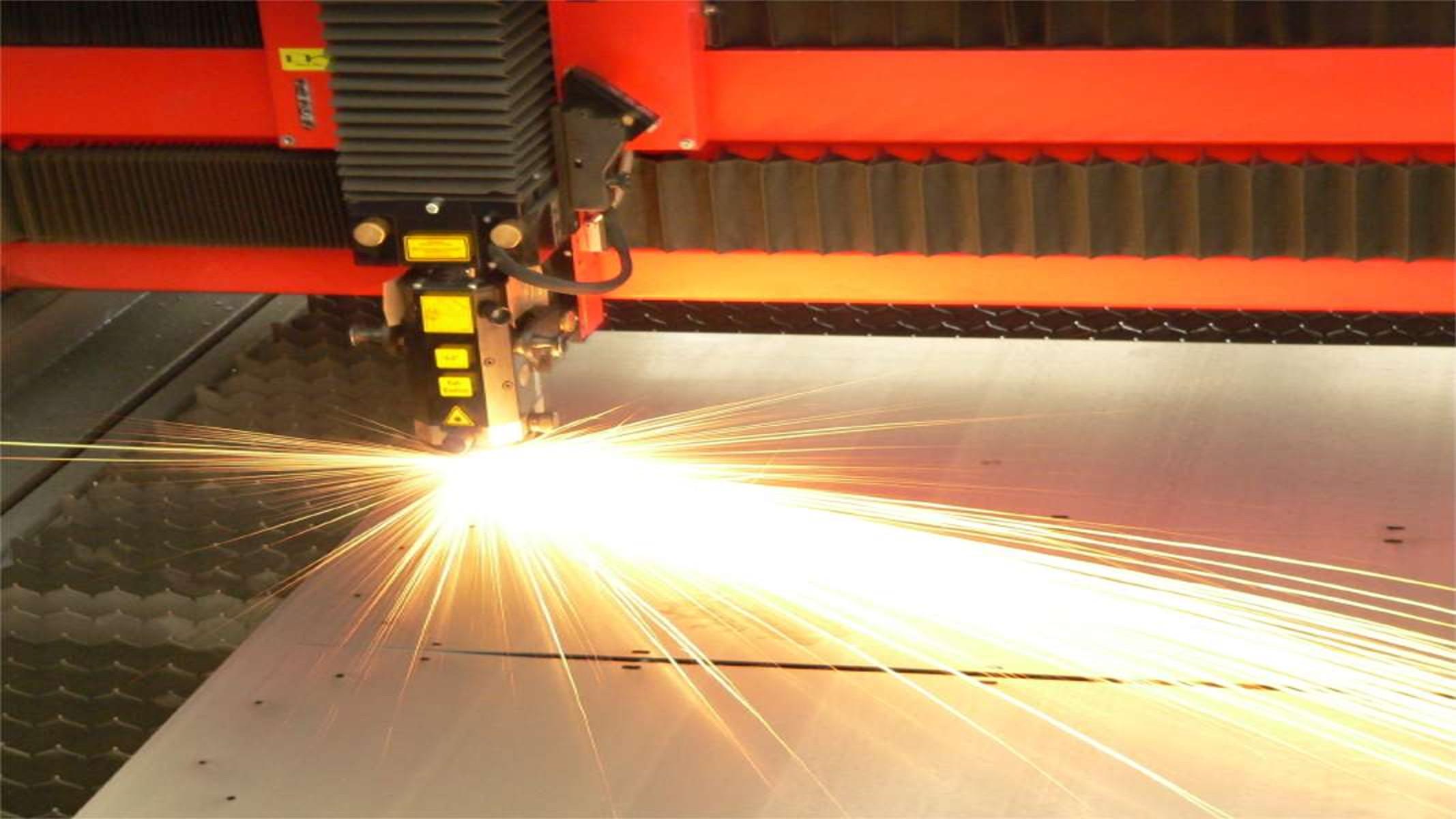 Giải Pháp Tiết Kiệm Đẹp Mắt & Nhanh Chóng Bằng Công Nghệ Cắt Laser Cửa Kim Loại